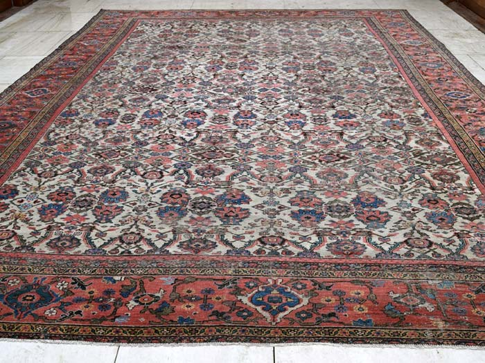 large Feraghan carpet 520 x 380cm