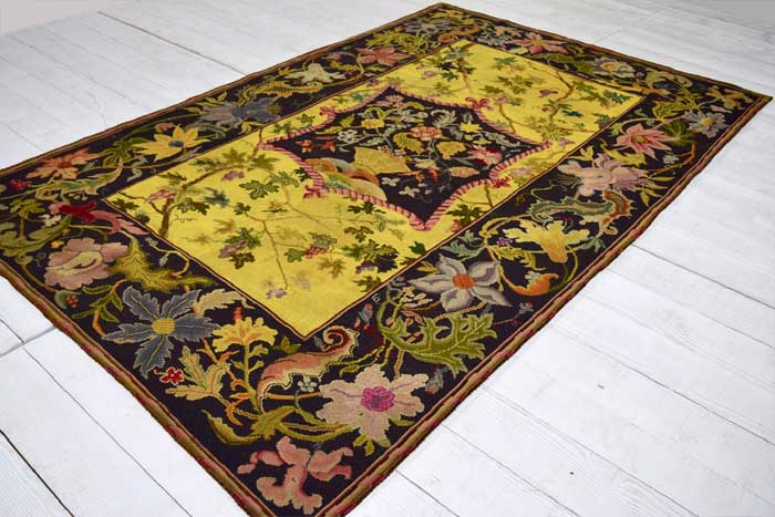 English needlepoint carpet 266 x 165cm