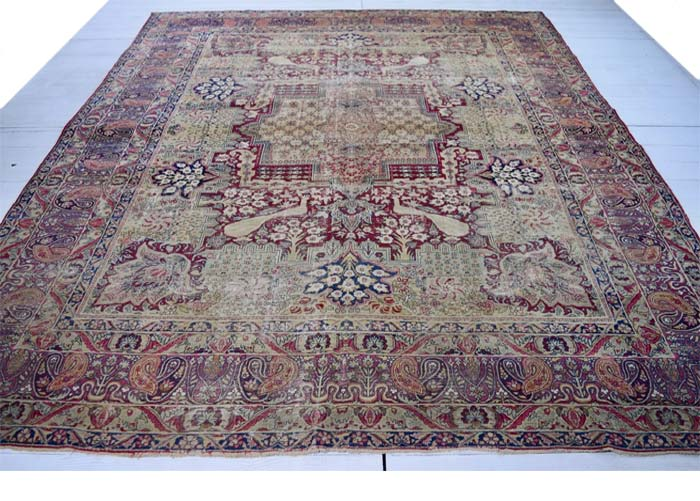 Kirman 'Ravar' carpet 352 x 275cm