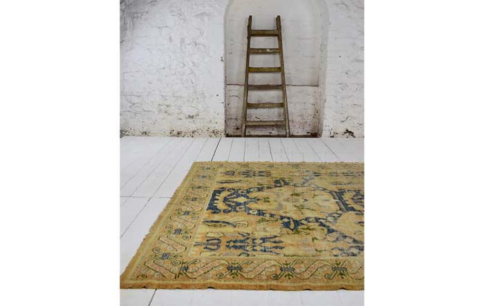 Spanish carpet 295 x 188cm