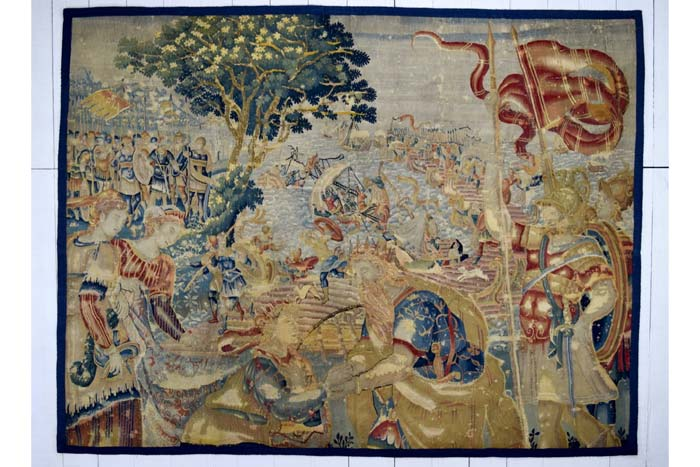 Exceptional Flemish tapestry fragment 235 x 180cm